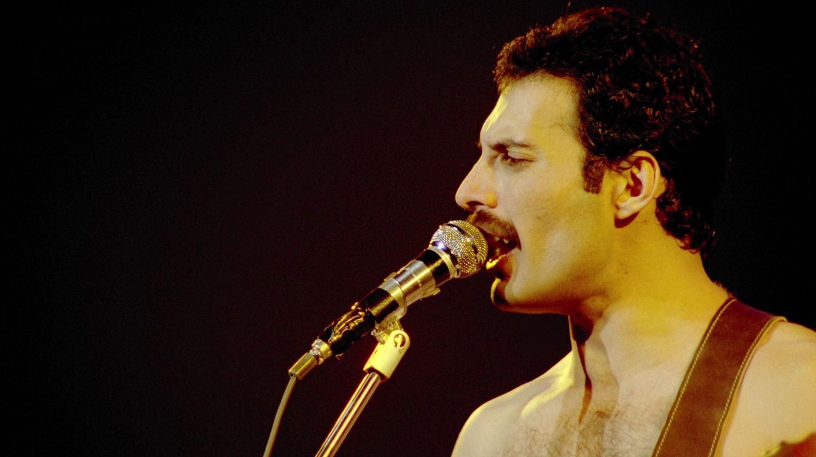 Freddie Mercury - The Great Pretender
