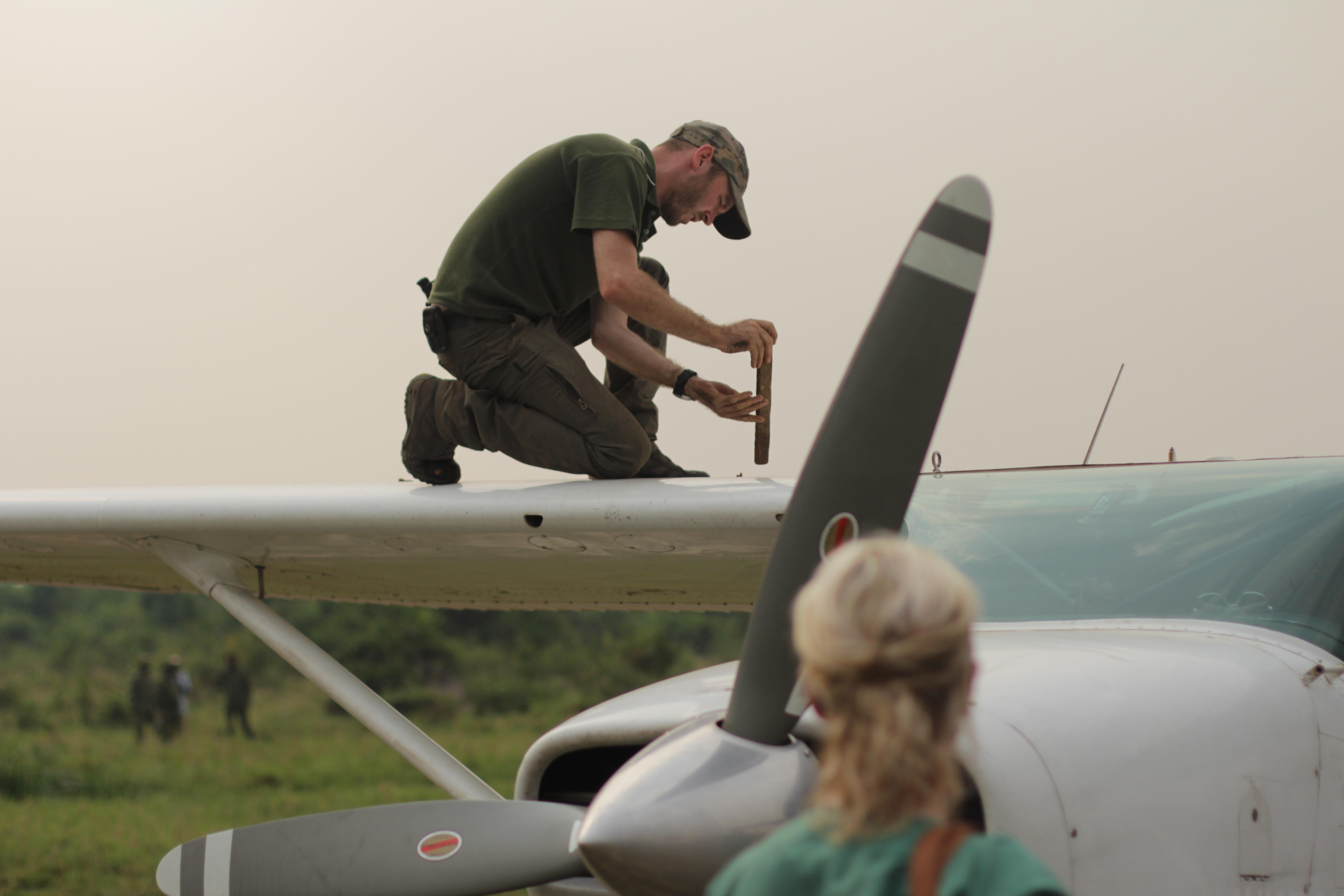Flying Doctors: Virunga