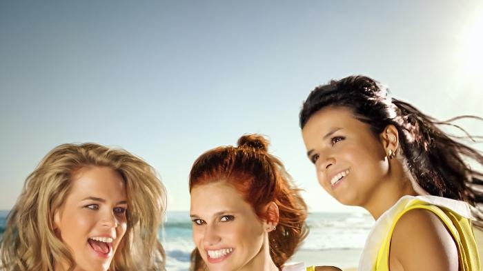 2 Meisjes op het Strand